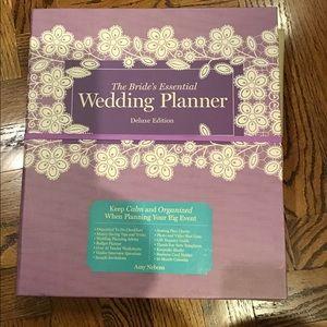 🌷THE BRIDE'S ESSENTIAL WEDDING PLANNER NWOT